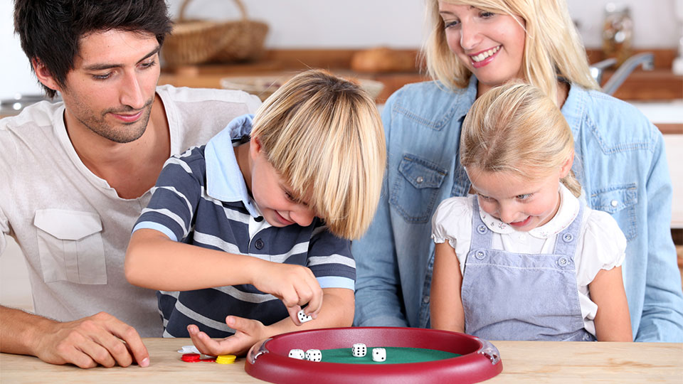 How to Create (And Stick With) a Weekly Schedule for Your Family