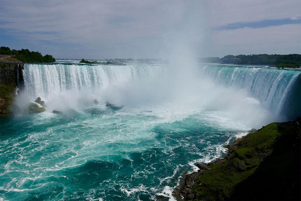 Niagara Falls vacationing